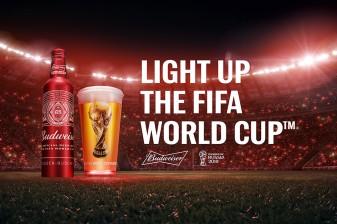 """버드와이저, """"월드컵을 밝힌다"""""""